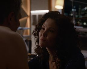 Reiko Aylesworth - Bull s03e13 (2018) Nude movie scene