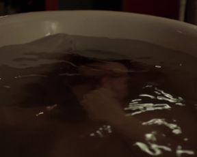Elodie Frege nude - La main du mal  (2016) (Season1, Episode1)