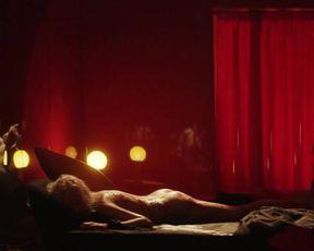 Caterina Shulha - L'uomo del labirinto (2019) Censored nude scene