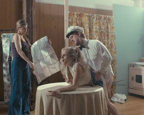 Larisa Polonsky, Dominique Fishback - The Deuce s01e08 (2017) Naked film scene