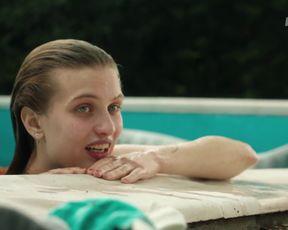 Bianka Berenyi - Viragvolgy (2018) Nude movie scene
