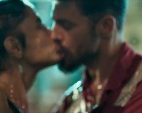 Sophie Charlotte, Maria Casadevall - Ilha de Ferro s01e04 (2018) celeb nude scene