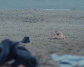 Agata Turkot, Grazyna Sobocinska - Motyw s01e02 (2019) Nude sexy video