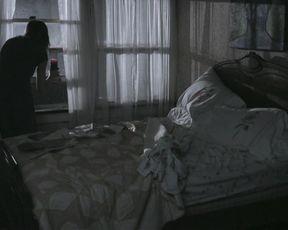 Victoria Johnstone nude - Lake Eerie (2016)