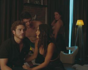 Lucia Uribe, Tessa Ia, Camila Valero, Darlene Rosas - Unstoppable (Desenfrenadas) s01e04 (2020) celebs naked