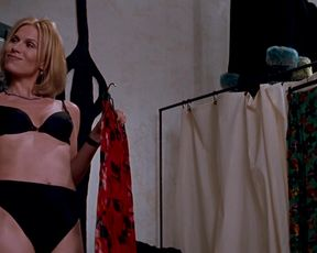 Hot scene Charlize Theron, Connie Nielsen - THE DEVIL'S ADVOCATE