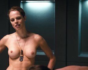 Nicole Tupper  nackt