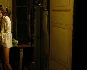 Naked scenes Mini Anden - The Mechanic (2011)