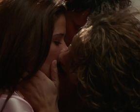 Celebrity Lesbian Video - Leila Arcieri, Susan Ward - Wild Things 2 (2003)