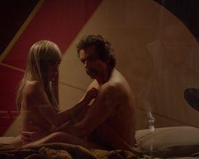 Hot scene Lizzy Caplan nude - MoS S04E08 (2016)