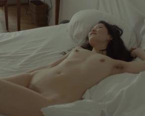 Celebrity Lesbian Video - Catrina Stemmer, Uisenma Borchu - Schau Mich Nicht So An (2015)