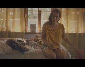 Sexy Julie Andersen - Punani (2015)