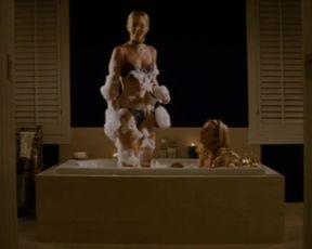 Hot scene Leighton Meester, Katrina Begin - Remember the Daze (2007)