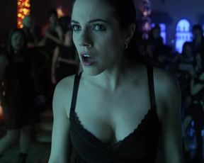 Sexy Anna Silk Sexy - Lost Girl (2010) s01e11