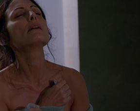 Sexy Lisa Edelstein, Necar Zadegan nude - Girlfriends Guide to Divorce S02E12 (2016)