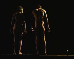 Stefanie van Leersum Nude - Sevilla (2012)