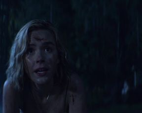 Kiernan Shipka naked - Chilling Adventures of Sabrina (2018)(Season 1)