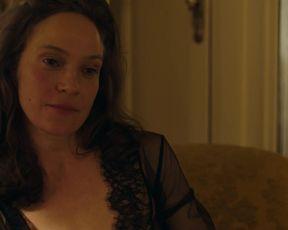 Jeanette Hain - Trakehnerblut s01e01 (2017) Naked adult movie scene