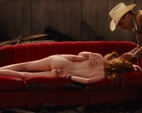 India Menuez, Ellie Bamber naked - Nocturnal Animals (2016)