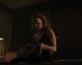 Laysla De Oliveira, Hallea Jones - Locke _ Key s01e01-02 (2020) Sexy film scene
