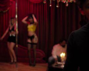 Johanna Ingelfinger, Sophia Thomalla - Rising High (2020) Hot nude scene