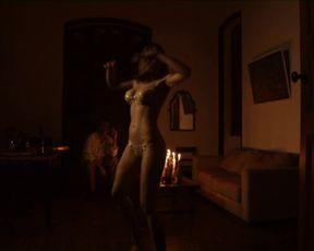 Karine Barros nude - Quebranto (2018)