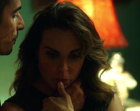 Kate del Castillo - Ingobernable s01e12 (2017) Sexy film scene