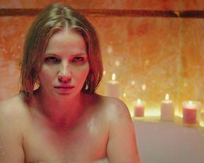 Mariya Ulyanova - Kuhnya. Vojna za otel s01e01e04 (2019) Naked movie scene