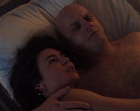 Katerina Janeckova - Narodni trida (2019) Сut nude scene