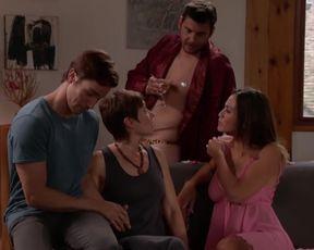 "Fanny Krich - Une famille formidable s14e04 (2017) Naked ""topless"" scene"