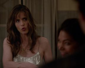 Amanda Peet sexy - Togetherness_s02e02 (2016)