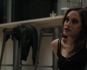 Samara Weaving, Carly Chaikin nude- Last Moment of Clarity (2020)