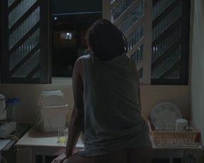 Anna Zepa, Daniela Evelise - Entre (2019) celeb naked scene