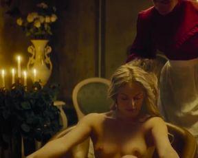 Alesya Romanova, Marianna Januszewicz - Viddana (2020) Hot naked video