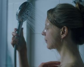 Petra Schmidt-Schaller, Ulrike C. Tscharre - Getrieben (2018) Naked adult movie scene