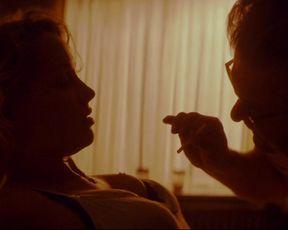 Bo Maerten, Maartje van de Wetering - Ron Goossens, Low Budget Stuntman (2017) Naked actress in a movie scene