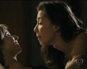 Paula Burlamaqui, Marjorie Estiano - Eu Que Amo Tanto s01e03 (2014) Naked TV movie scene