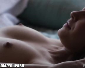 Beautiful Cassie Laine rubs her self to an intense orgasm
