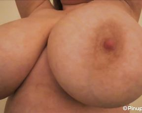 Sara Willis uncovers her large titties infocus web cam