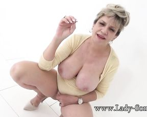 Thick-Breasted mature Gal Sonia has such a sloppy mind