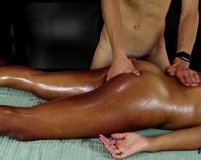 MissFluo Receive Massage With Getting Off To Climax A15