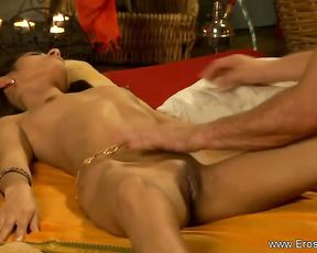 It is supah effortless to turn a romantic rubdown into a voluptuous labia munching session