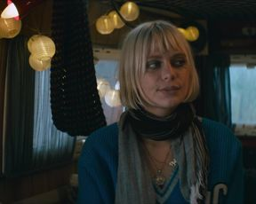 Alli Neumann - Christmas Crossfire (Wir konnen nicht anders) (2020) celebrity nude jugs
