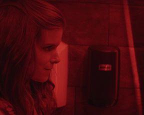Kate Mara, Camila Perez - A Tutor s01e04 (2020) actress booby vid
