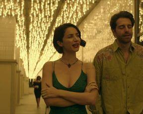 Andrea Delogu - Divorzio a Las Vegas (2020) celebrity bare tits sequence
