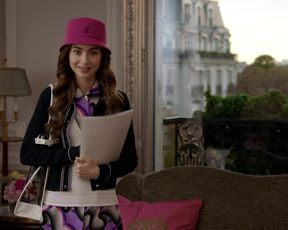 Carlson Youthfull - Emily in Paris s01e07 (2020) actress fun bags vignette
