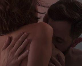 Natalia Tena, Bella Camero - Sangre (2020) celebrity bare baps