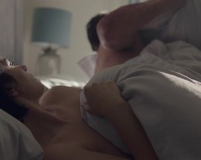 Simona Chocolate-Colored, Eve Hewson - Behind Her Eyes s01e01-06 (2021) actress super hot sequence