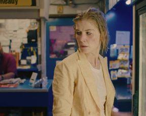 Rosamund Pike - I Care a Bunch (2020) celebs spectacular flick