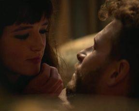 Susana Abaitua - Naughty About Her (Loco por ella) (2021) actress A beautiful sequence